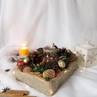 Рождественская композиция с подсвечником