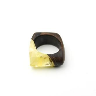 Янтарное кольцо в сочетании с деревом Зерикотте!!!