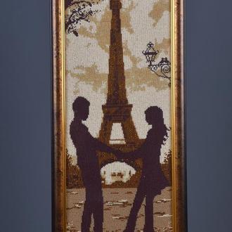 """Вышитая бисером картина """"Встреча в Париже"""""""