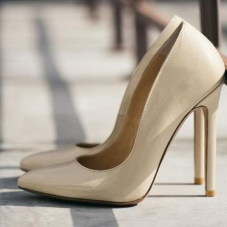 Туфли женские на высоком каблуке