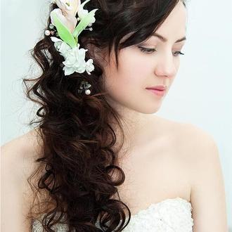 Украшение для волос с цветами альстромерии и самоцветами