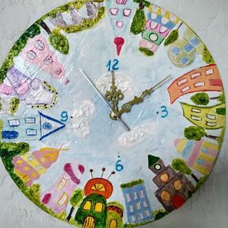 Настенные интерьерные часы для детской комнаты.
