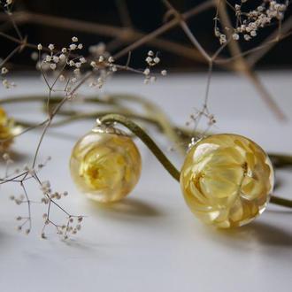 Желтый кулон с настоящими цветами (подарок для девушки)