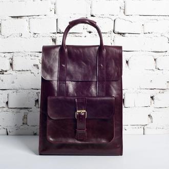 Женская сумка-рюкзак из глянцевой кожи бордового цвета