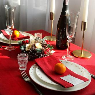 Скатерть красного цвета.  Лен 100%. Декорирования стола.Натуральный текстиль