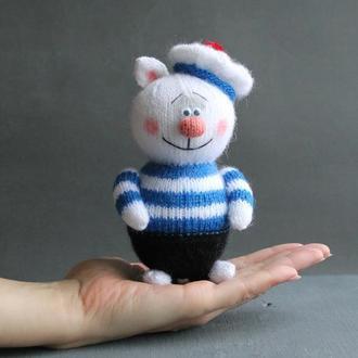 Кіт - французький моряк. Тематична в'язана іграшка.