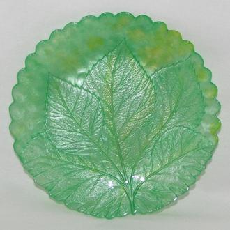 тарелка Лист, желто-зеленая (салатовая). Витражная роспись