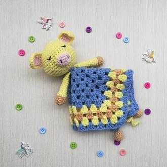 В′язана іграшка комфортер Свинка для сну немовлят
