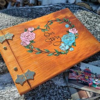 Фотоальбом дерев'яний - ручний розпис (подарок на годовщину, свадьбу, день влюбленных, our story)
