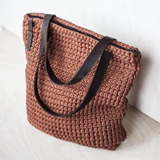 Торбочка из трикотажной пряжи на молнии в наличии