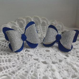 """Резинка для волос из эко-кожи""""Бабочка большая""""7*5.5 см,цвет серебристо-синий,1 шт."""