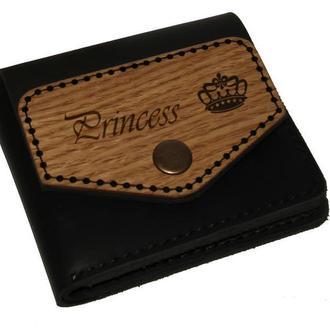 Маленький женский именной кошелек из кожи с деревянной вставкой. Гравировка в подарок.