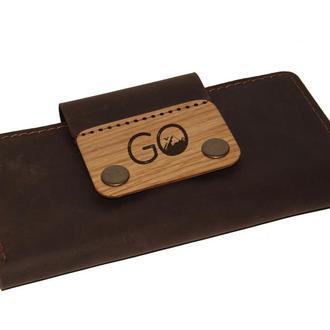 Длинный кошелек из кожи с деревянной вставкой. Именная гравировка в подарок.