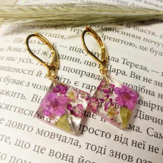 Сережки с настоящими цветами розовые