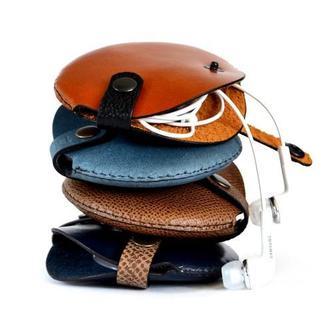 Кожаный чехол для наушников Кожаный органайзер Подарок музыканту Стильный подарок из кожи