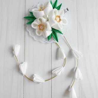 Белое нарядное украшение для волос Заколка с цветами канзаши на фотосессию Подарок девочке
