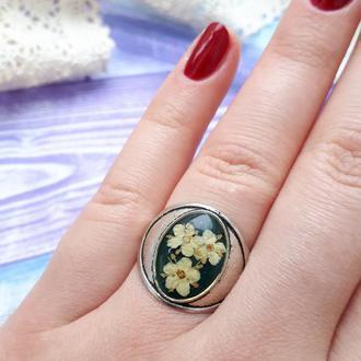 Кольцо  с настоящими цветами бузины