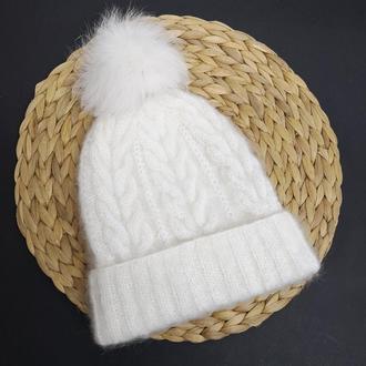 Зимняя белая шапка мохер