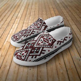 местная спортивная обувь