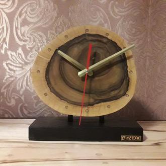Часы настольные из ореха