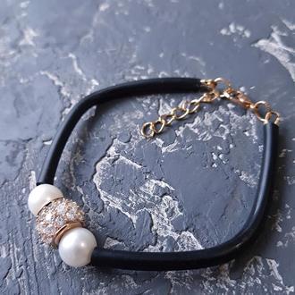 Браслет з натуральними перлами та позолоченою намистиною браслет каучук с жемчугом подарок подруге