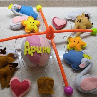 Мобиль из  фетра на детскую кроватку