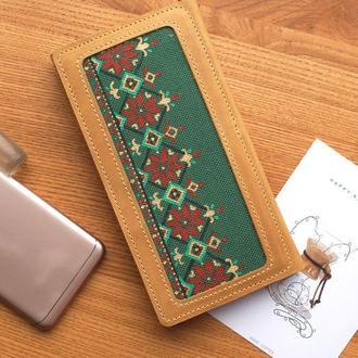 Кожаный кошелек клатч с льняной вставкой и росписью