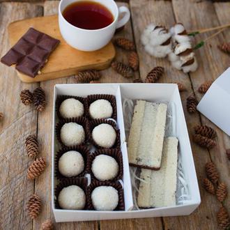 Цукерки та міні-шоколад