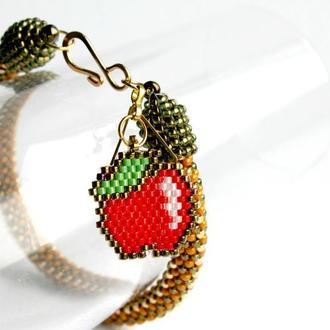 Тонкий браслет с подвеской райское яблочко, ручной работы из бисера, подарок для девушки.