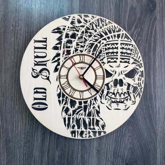 Деревянные настенные часы «Череп»