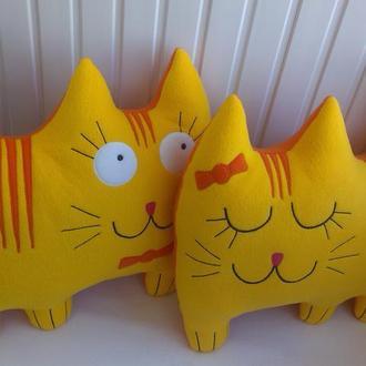Подушки-коты ′Боковая парочка′