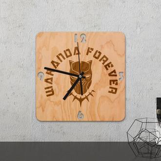 Настенные часы из древесины «Wakanda»
