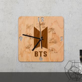 Настенные часы из древесины «BTS»