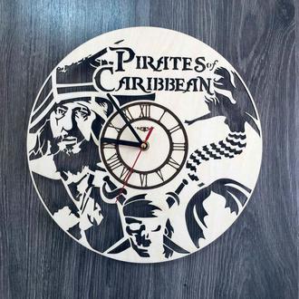 Часы настенные из натурального дерева «Пираты Карибского моря»