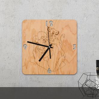 Настенные часы из древесины «Lion king»