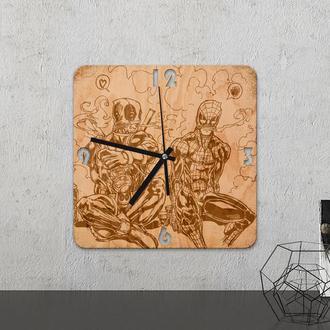 Настенные часы из древесины «Spiderman »