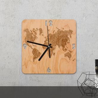 Настенные часы из древесины «World map»