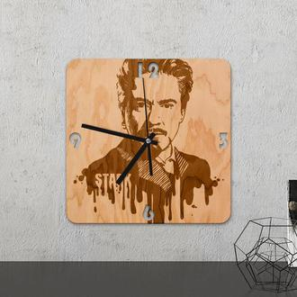 Настенные часы из древесины «Iron man»