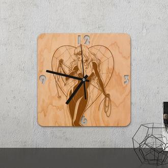 Настенные часы из древесины «Black cat»