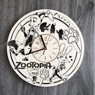 Часы из натурального дерева настенные «Зверополис»
