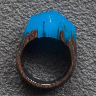 Кольцо деревянное синее