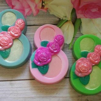 Сувенирное мыло на 8 марта: восьмерка с розами