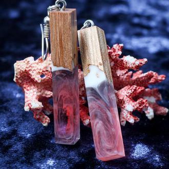 длинные серьги  из ювелирной смолы и дерева вяза
