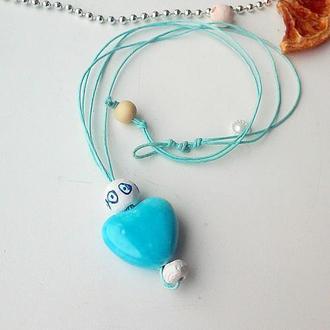 Лёгкий и воздушный кулон-подвеска в виде сердечка из гончарной глины.