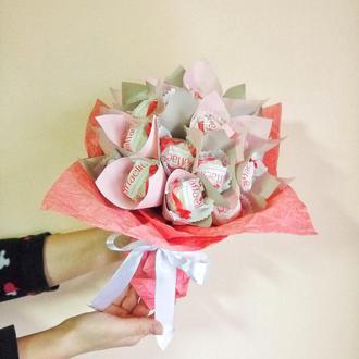 Сладкий букет из конфет женский