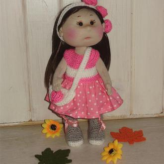 Текстильная кукла Ника, с комплектом, вязаной крючком, одежды.