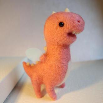 Розовый шерстяной динозаврик