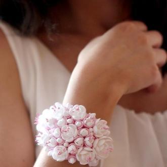 """Свадебный браслет """"Бело-розовый жасмин"""""""