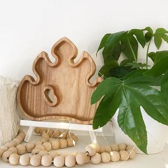 Лист Монстеры, деревянная тарелка