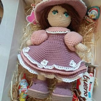 Вязанная кукла.